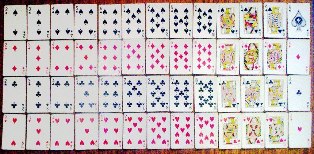 cuantas cartas tiene un juego de casino